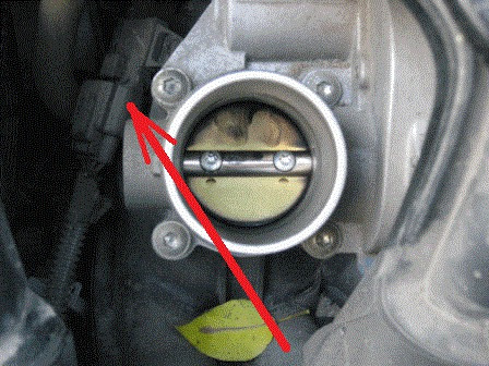 Где находится датчик воздуха на форд фокус 2