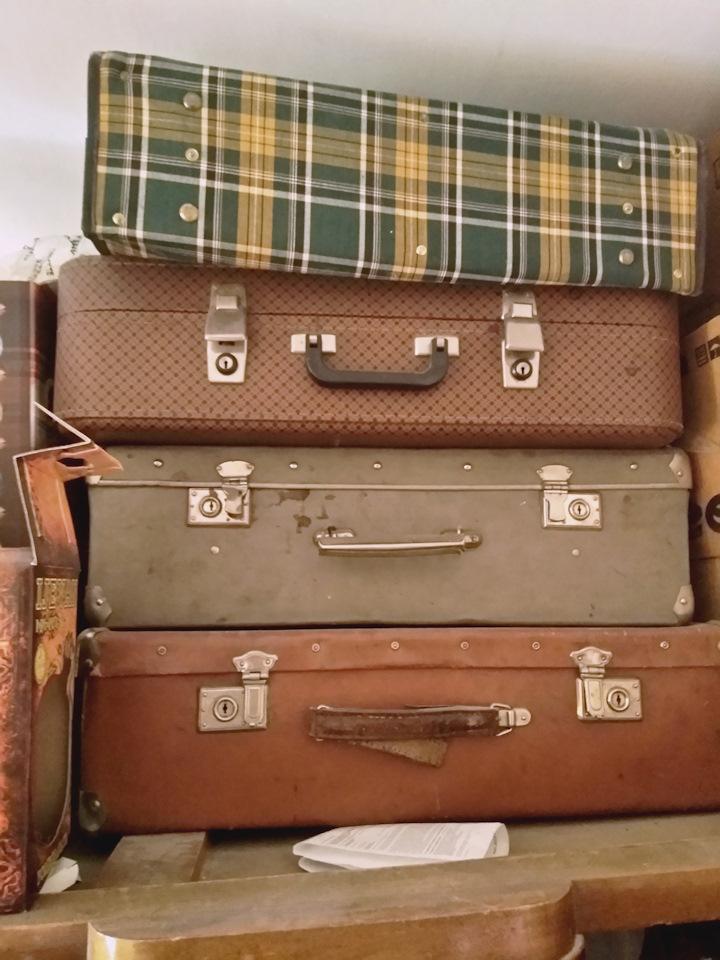 Куплю старые чемоданы рюкзаки лего пасо