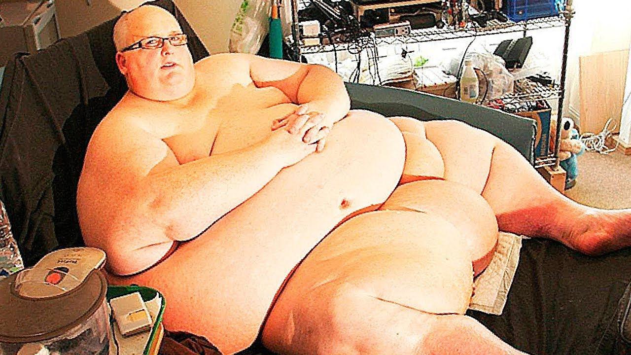 Самый толстый человек, фаллоимитатор и девушка и попа