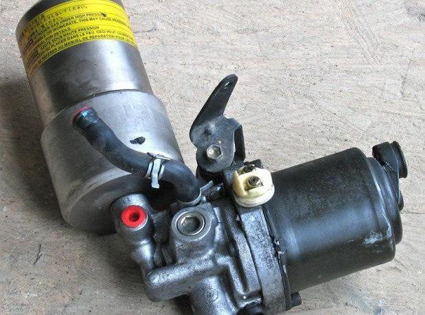 насос усилителя тормозов митсубиси паджеро 2003 года