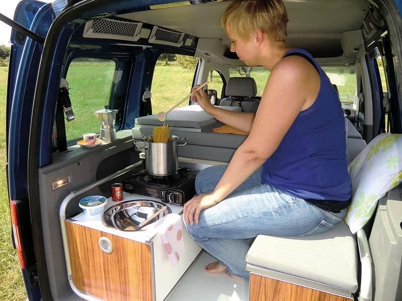 Кухня в автомобиле своими руками 76